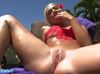 Katerina Kay rubs her clit outdoors