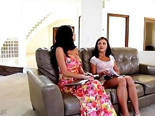 Mommys Girl Adriana Chechik, Veronica Avluv