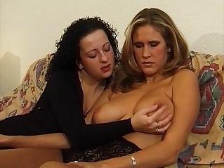 natte lesbos wet lesbians