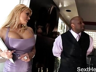 Nice Butt Shyla Stylez Gives Blowob